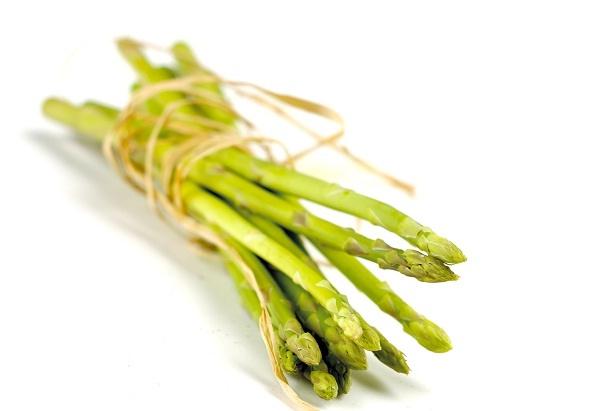 Asparges er en forårsbudbringer, som går fint i en risotto